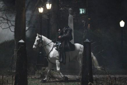 Le cavalier dans la ville