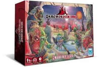 La fameuse boîte rouge qui n'est pas sans rappeler la première boîte de jeu de Donjons et Dragons