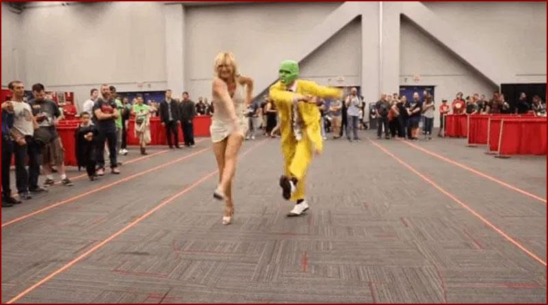 Une danse réalisée par des cosplayeurs de The Mask lors du Comiccon 2016 à Montréal