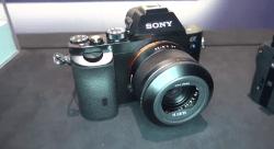 Sony A7s Hybrid DSLR with 35 mm sensor - shooting 4k video