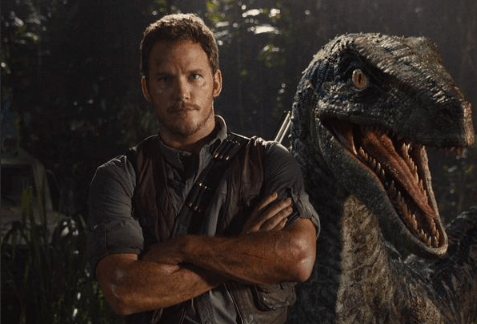 Jurassic-World-Chris-Pratt-Dino
