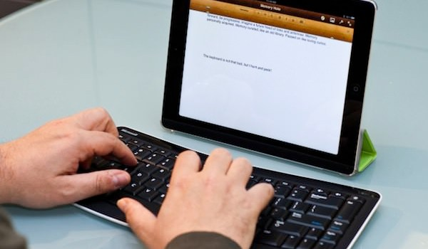 Bluetooth Mobile Keyboard 5000