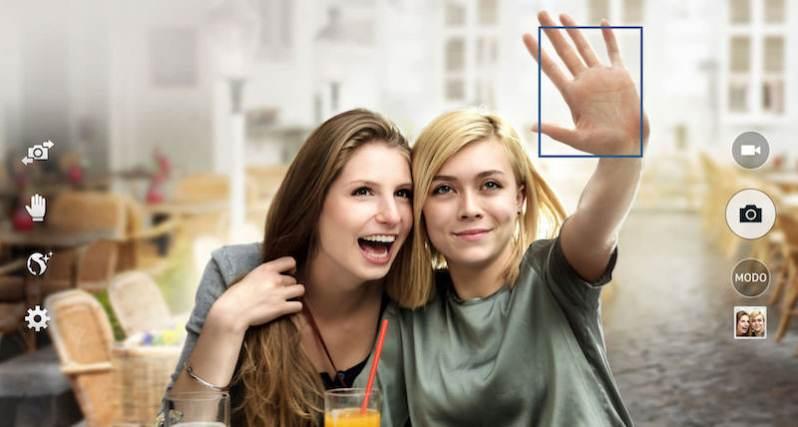 Palm Selfie