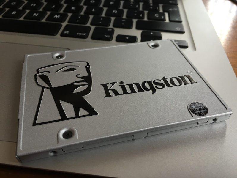 2 - Kingston SSDNow UV400
