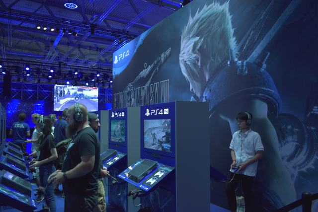 [Gamescom] Final Fantasy VII – Square Enix nécromancien.