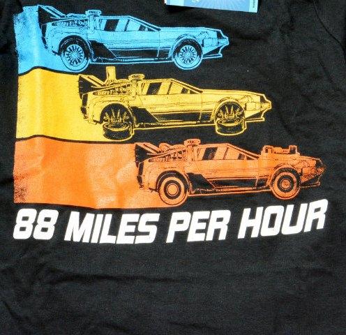 nerdblock avril 2015 surprise gadget fantomes ghostbusters vinyl voiture delorean retour vers le futur t-shirt pacman (7)