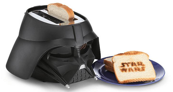 Ce casque dark vador fait aussi grille pain geekoupasgeek - Grille pain dark vador france ...