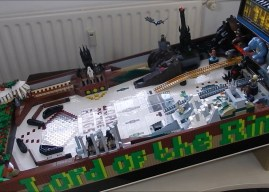 Fã cria Pinball de O Senhor dos Anéis usando peças de LEGO