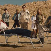 Kevin Bacon Reunites with TREMORS Cast in Fun New Commercial