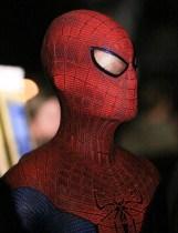 Amazing-Spider-Man-Costume-Close-Up-570x747