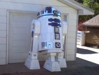 cardboard-R2D2-2-550x421