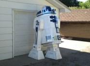 cardboard-R2D2-5-550x403