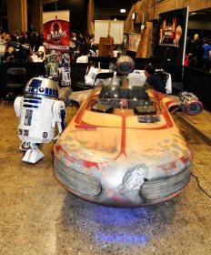 R2-D2 + Landspeeder