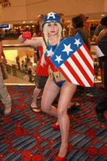 Lady Captain Camerica @ Dragon Con 2012