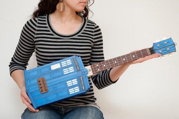 tardis-ukulele-1