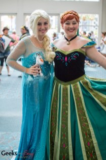 Elsa and Anna (Frozen) - SDCC 2014 - Photo: Geeks are Sexy