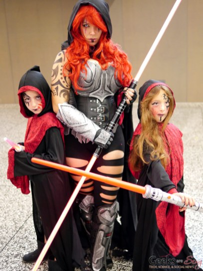 Mara Jade (Alexanne Darkholme Cosplay) and her Acolytes – Montreal Comic Con 2014 – Photo by Geeks are Sexy