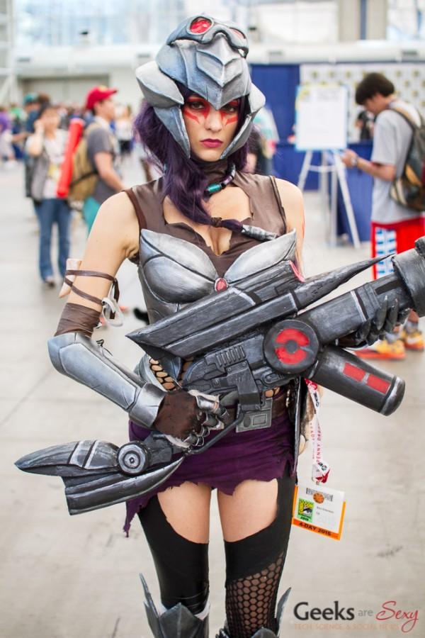 Headhunter Caitlyn - San Diego Comic Con 2015 - Photo by Geeks are Sexy