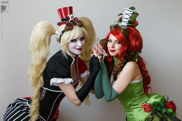 Harley Quinn (Ryoko-demon) and Poison Ivy (Rei Doll) - Photo by Kifir