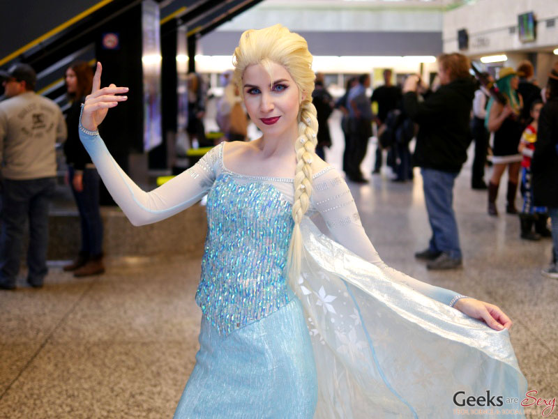 Elsa - Montreal Mini Comiccon 2016 - Photo by Geeks are Sexy