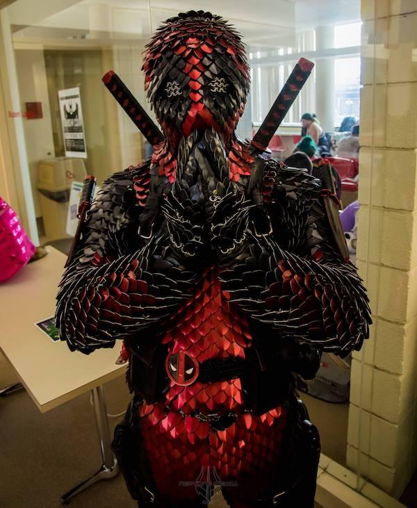 b1671e3e39 A Deadpool Themed Suit of Scale Armor  Pics
