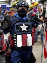 Tactical Captain America - Ottawa Comiccon 2017 - Photo by Geeks are Sexy