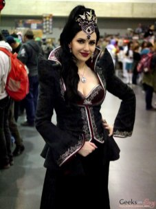 Regina (Once Upon a Time) – Quebec City Comic Con 2017 – Photo by Geeks are Sexy