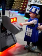 K-9 and Baby TARDIS - Ottawa Comiccon 2018 - Photo by Geeks are Sexy