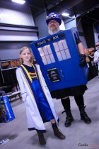 13th Doctor and Tardis - Ottawa Comiccon 2019 - Photo by Geeks are Sexy
