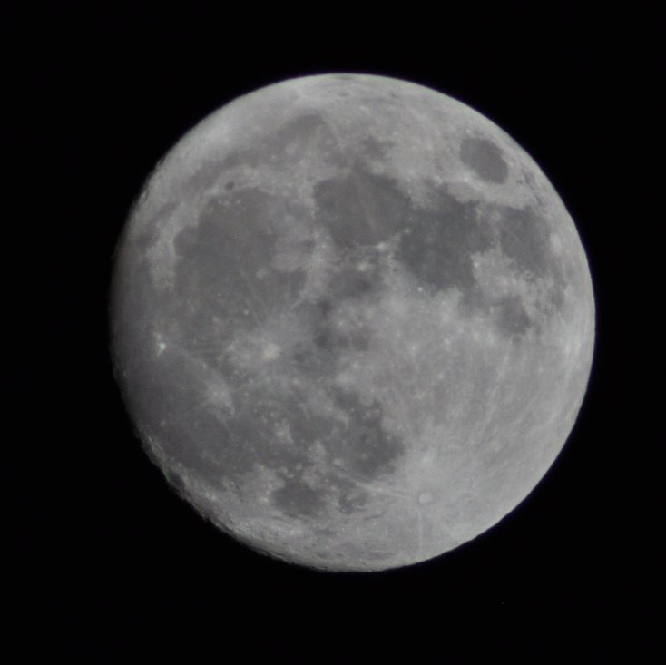 wow-another-picture-of-the-moon-with-my-new-lens-wp-httpst-cowwpagxiupy