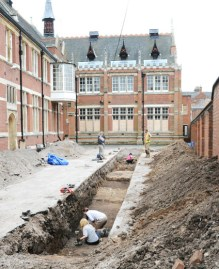Archaeological dig for Richard III remains