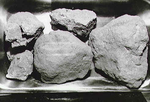 Wanna know how to buy a moon rock? Hint: black market | Geek