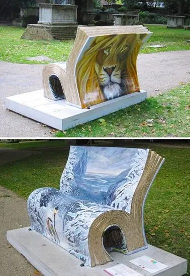 """London """"book benches"""": Narnia-themed The Witch and the Wardrobe bench."""