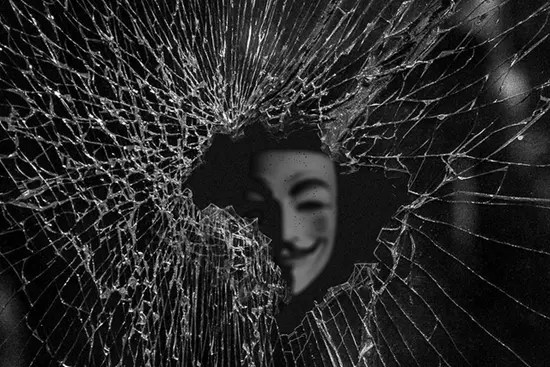 Anonymous peering through shattered dreams