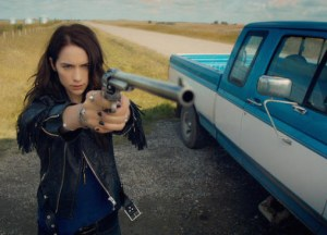 preview-full-wynonna-s1e1-earp-e1459496154260