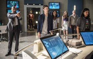 The-cast-of-The-Flash-in-The-Flash-Season-2