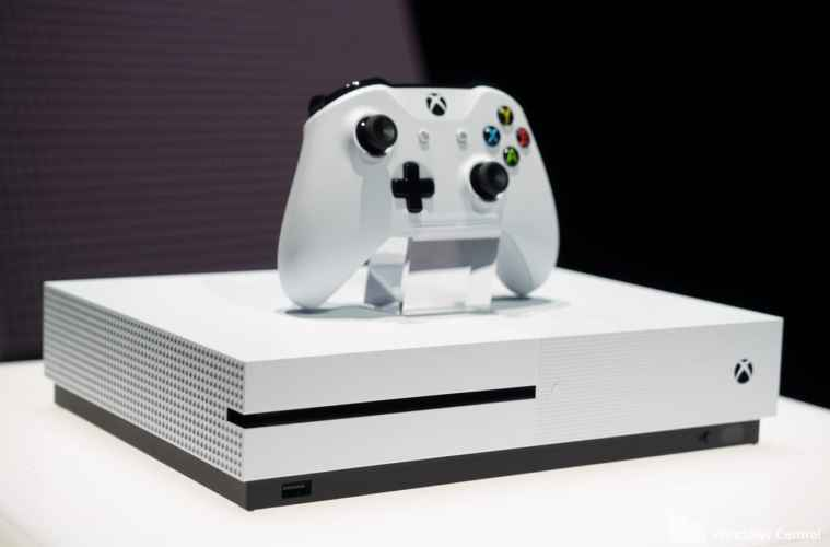 Gamers Who Pre-Ordered the Xbox One S are Reciveing E-mails from Microsoft