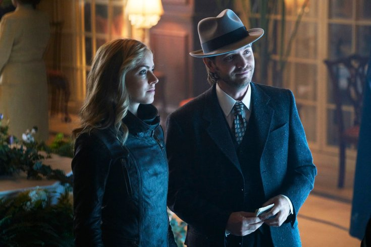 "12 MONKEYS -- ""One Hundred Years"" Episode 203 -- Pictured: (l-r) Amanda Schull as Cassandra Railly, Aaron Stanford as James Cole -- (Photo by: Steve Wilkie/Syfy)"