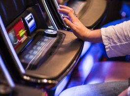 Traditional Vs Video Poker: Which Is Best?