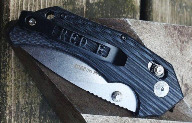 Red E Axis locking pocketknife