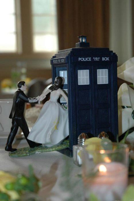 Doctor Who Wedding Cake Topper   The Geeky Hostess Doctor Who Wedding Cake Topper
