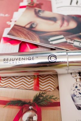 Review: MONAT Rejuveniqe Intensive Oil