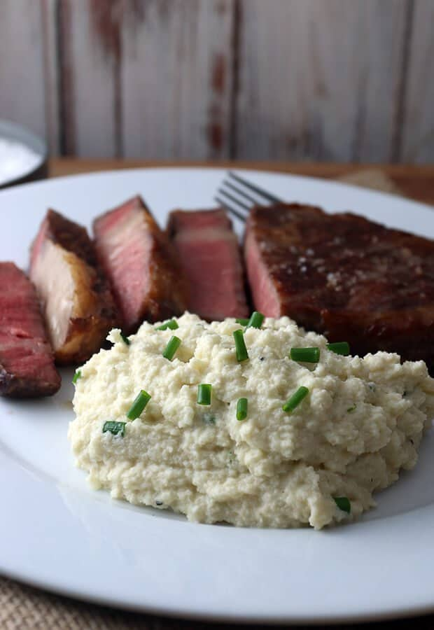 Easy Creamy Cauliflower Mashed Potatoes by ruled.me | Image source: ruled.me