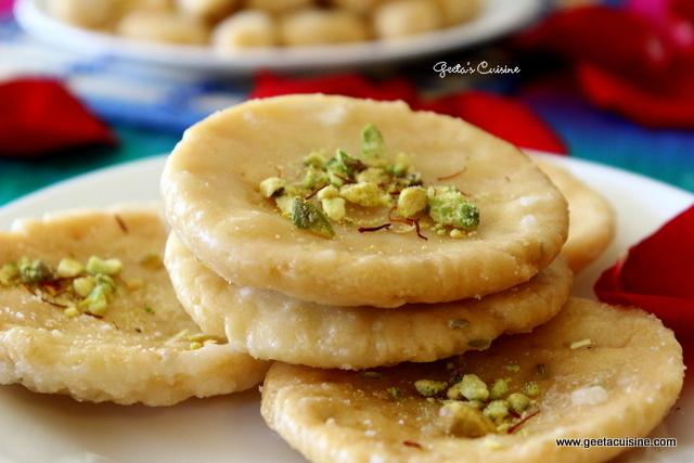 Sweet mathri & Shakkar Para( Khurma)