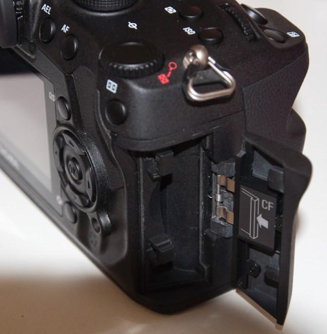Sigma SD1 CF card slot