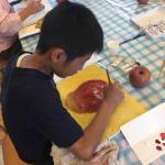 『芸術による教育の会』の美術教室は絵の描き方を教えないのですか?いいえ、教えるべき時に教えます。