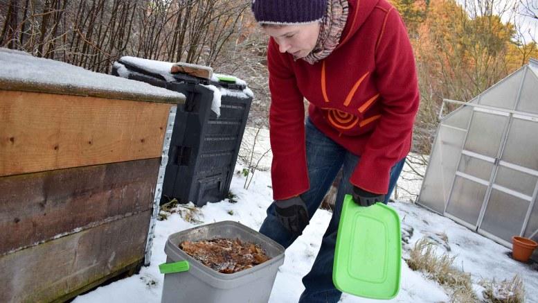 BOKASHI-BØTTE: En slik bøtte kan mates med avfall en gang om dagen og kan stå innendørs i flere uker før den må tømmes, ved moderate mengder avfall. Foto: Esben Holm Eskelund