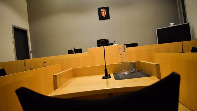 AUST-AGDER TINGRETT: De to tromøyguttene innrømmet straffskyld for hærverket i en lagerhall på Pusnes i september i fjor. Foto: Esben Holm Eskelund