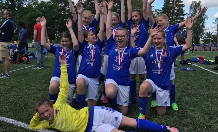 FOTBALLTRENER: Jentelaget på Trauma trenger ny trener fra 1. mars. Foto: Privat