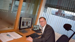 LESER GEITA: Ordfører Robert C. Nordli ønsker Lokalavisen Geita velkommen. Foto: Esben Holm Eskelund